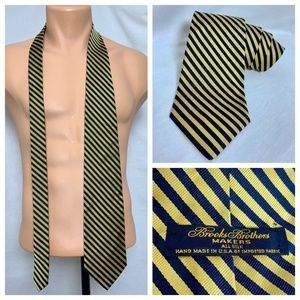 Brooks Brothers Makers Blue Gold Stripe Silk Tie